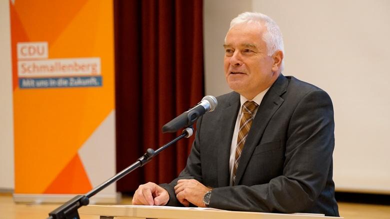 Bernhard Halbe bei seinem Grußwort.