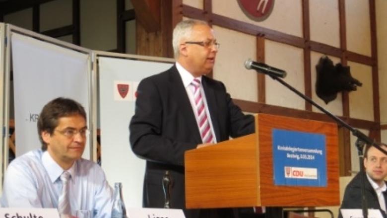 Dr. Karl Schneider mit 98,6 % erneut zum Landratskandidaten der CDU-HSK gewählt