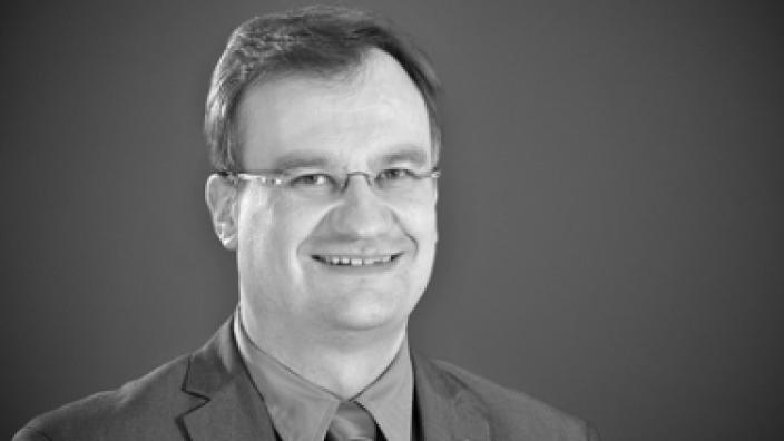 Dr. Guido Hitze, Abteilungsleiter Politik der CDU NRW, stellt als Gastreferent das neue Grundsatzprogramm der CDU NRW vor.